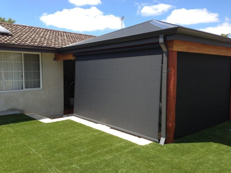 external blind black